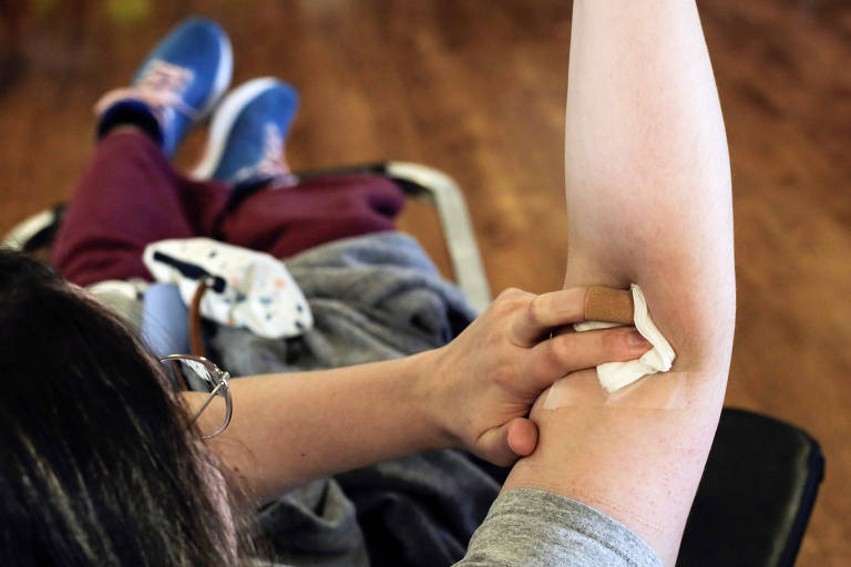Plasma sanguíneo de pacientes curados pode ser eficaz no tratamento de pessoas com Covid-19