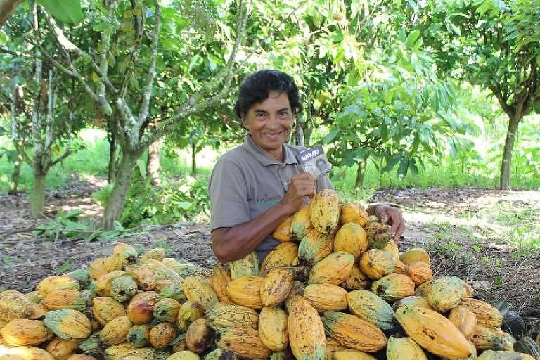 Dinorath Figueiredo, produtora de cacau cuja foto e história estão impressas nas embalagens do chocolate Na'kau