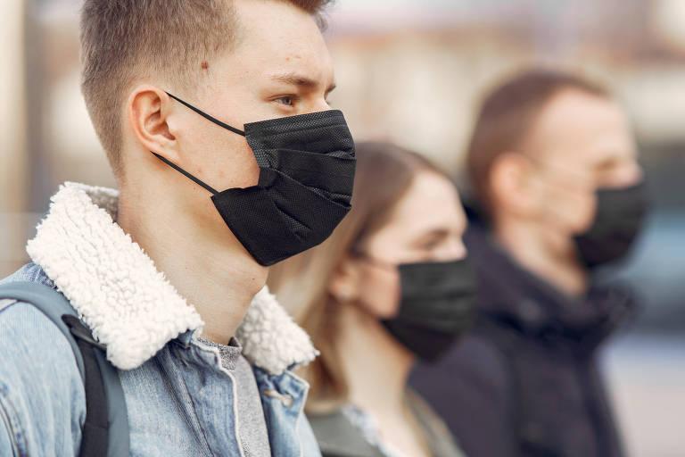 Estudo publicado na Nature Medicine reitera eficácia do uso de máscaras cirúrgicas em limitar a transmissão do coronavírus
