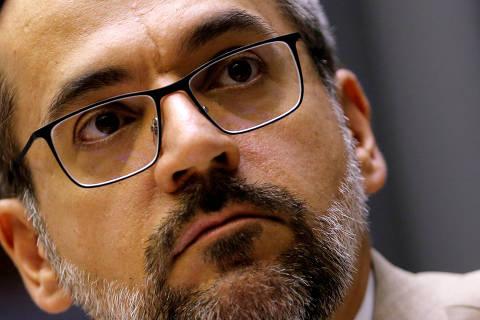 Weintraub diz que pode pedir perdão por 'imbecilidade' se a China fornecer respiradores