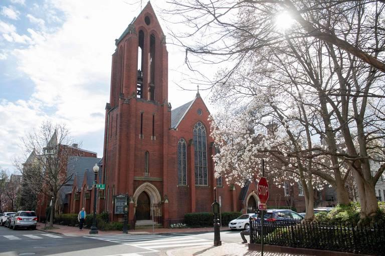 A igreja protestante Christ Church Georgetown, em Washington, fechada após o reverendo Timoty Cole contrair a Covid-19