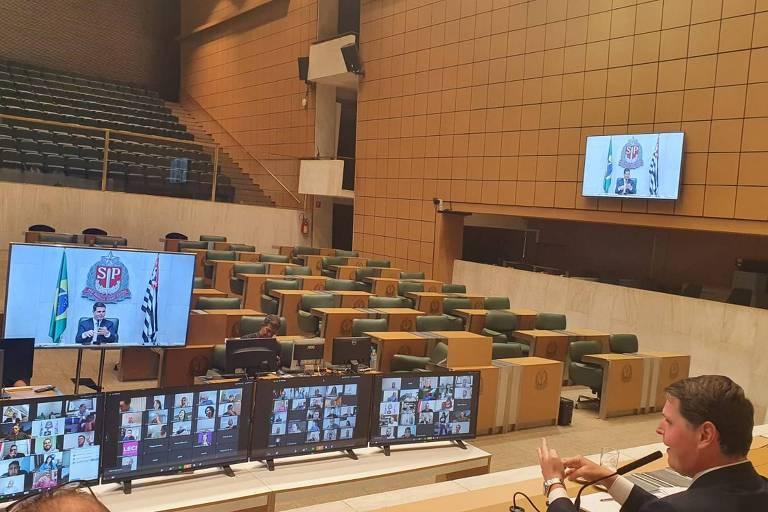 O presidente da Assembleia, Cauê Macris (PSDB), durante teste para votação online