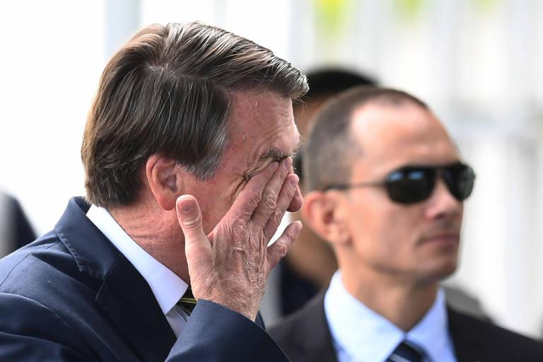 O presidente Jair Bolsonaro, no Palácio da Alvorada, nesta segunda-feira (6)