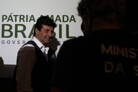 Em reunião, Bolsonaro e Mandetta expõem divergências, e ministro se recusa a assinar decreto