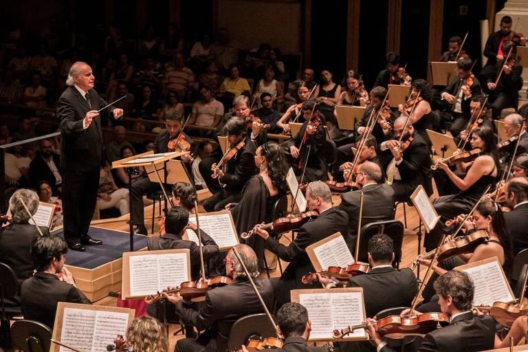 Maestro Isaac Karabtchevsky rege grupo com integrantes da Sinfônica Heliópolis e Petrobras Sinfônica na Sala São Paulo,