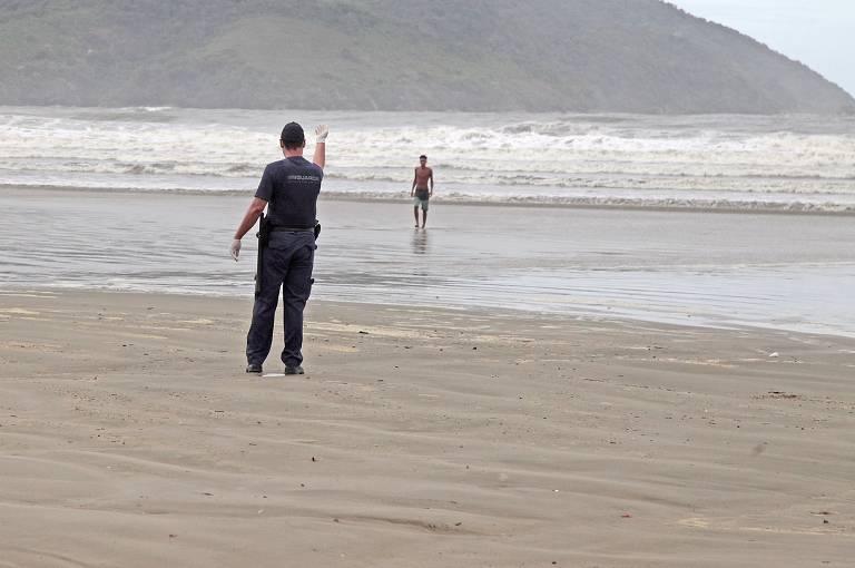 Cidades do litoral paulista barraram turistas no feriado de Páscoa