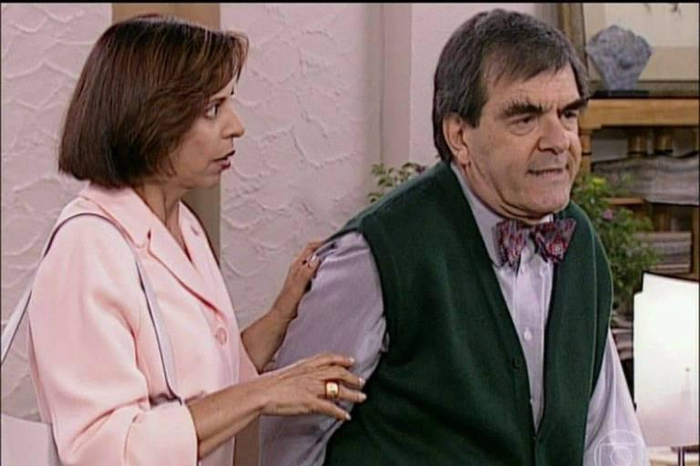 Quadro do Zorra Total do Seu Saraiva, interpretado pelo ator Francisco Milani
