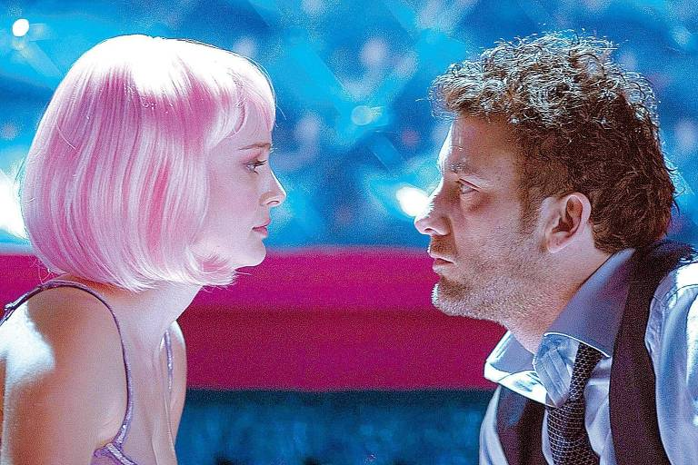 """Natalie Portman e Clive Owen em cena de """"Closer - Perto Demais"""""""
