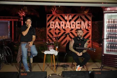 Imagem de 'Live na Garagem', transmissão de show da dupla sertaneja Jorge e Mateus no YouTube