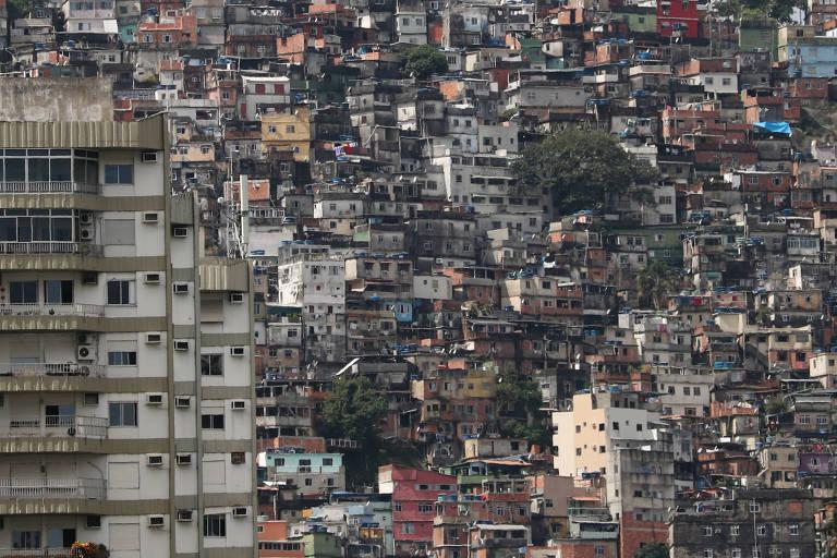 Comunidade da Rocinha, no Rio de Janeiro, em tempos de coronavírus