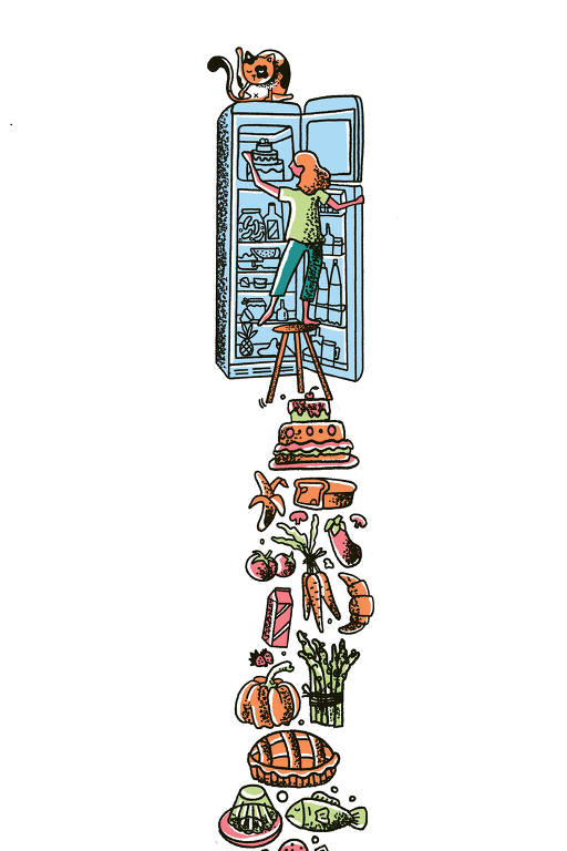 Na ilustração, uma mulher está na frente de uma geladeira aberta. Ela está em cima de uma banqueta, que se equilibra em uma pirâmide de comidas variadas