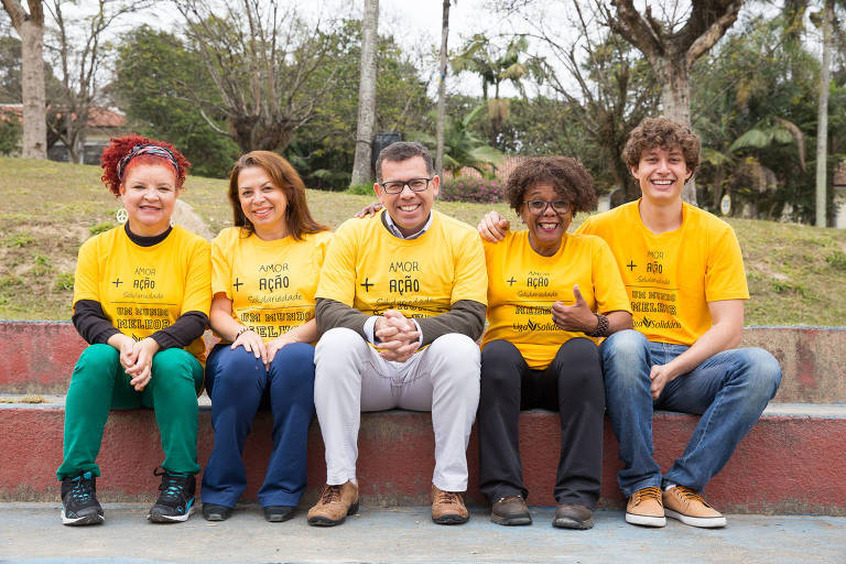 A Liga Solidária tem mais de 1.700 voluntários e dez ações de voluntariado corporativo, em parcerias com empresas que não podem ajudar financeiramente mas que criam projetos de voluntariado para que os funcionários possam participar
