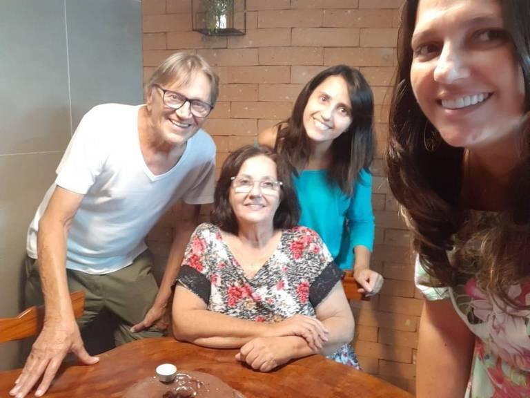 Da esq. para dir.: Carlos, Teresa, Talita e Tatiana Constantinov