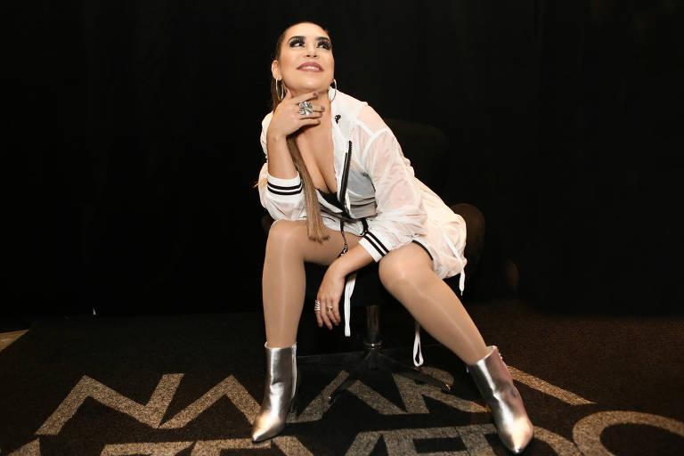 Imagens da cantora Naiara Azevedo