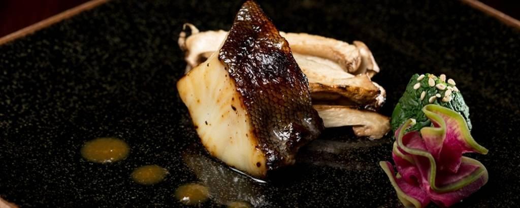 Bacalhau negro grelhado é a sugestão do Aizomê para a Páscoa