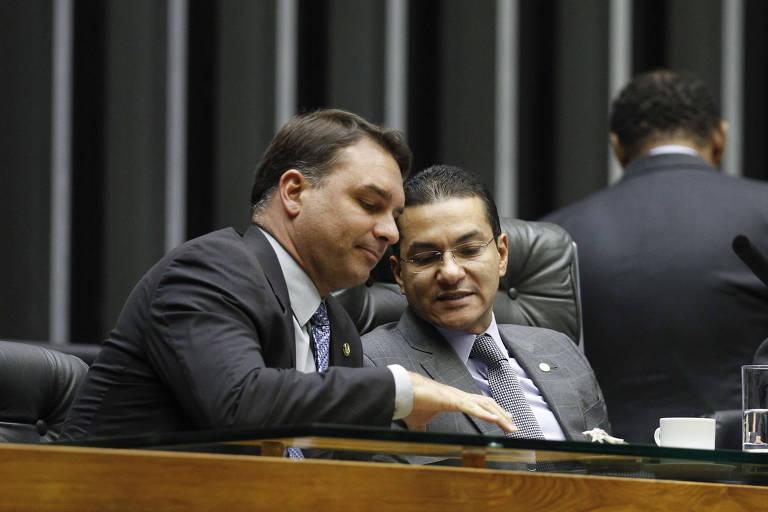 O senador Flávio Bolsonaro (RJ) e o deputado federal Marcos Pereira (SP), ambos do Republicanos
