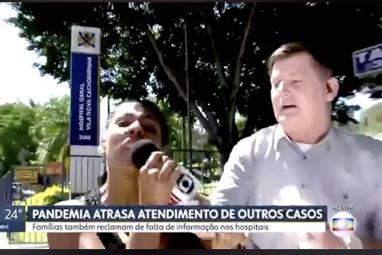 Repórter Renato Peters tem microfone arrancado de sua mão e mulher faz mensagem a favor de Bolsonaro