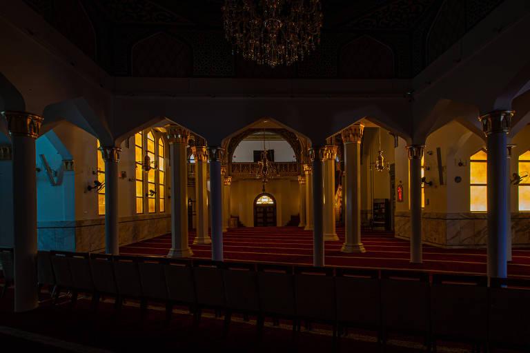 Veja templos religiosos vazios durante pandemia de coronavírus