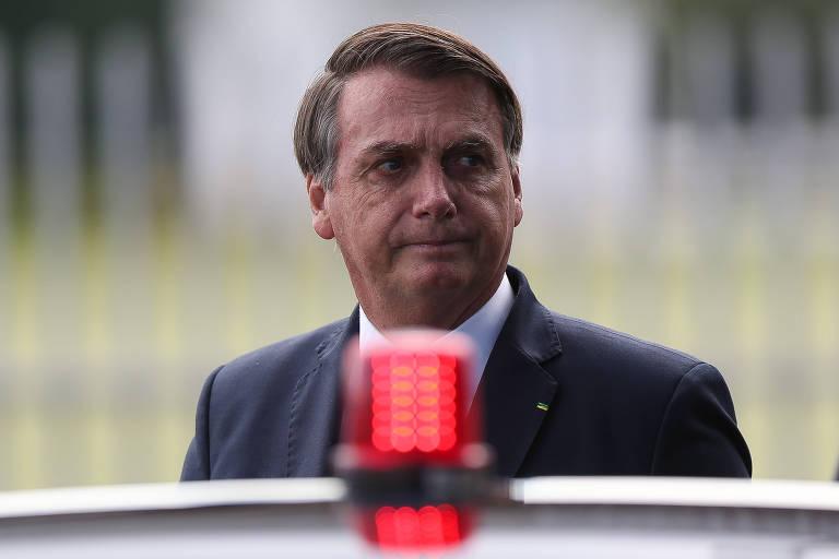 O presidente Jair Bolsonaro, ao sair do Palácio da Alvorada