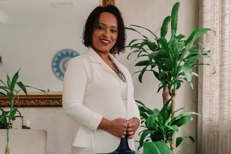 A empresária Erica Moraes, empreendedora que está abrindo o Hospital da Alma, uma clínica de terapias holísticas, em meio à crise do coronavírus