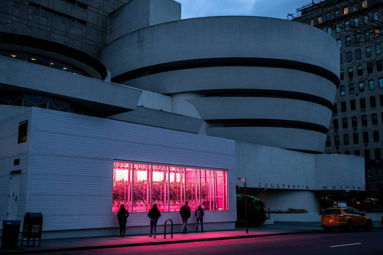 Fachada do Museu Guggenheim, em Nova York, fechado por causa da pandemia da Covid-19