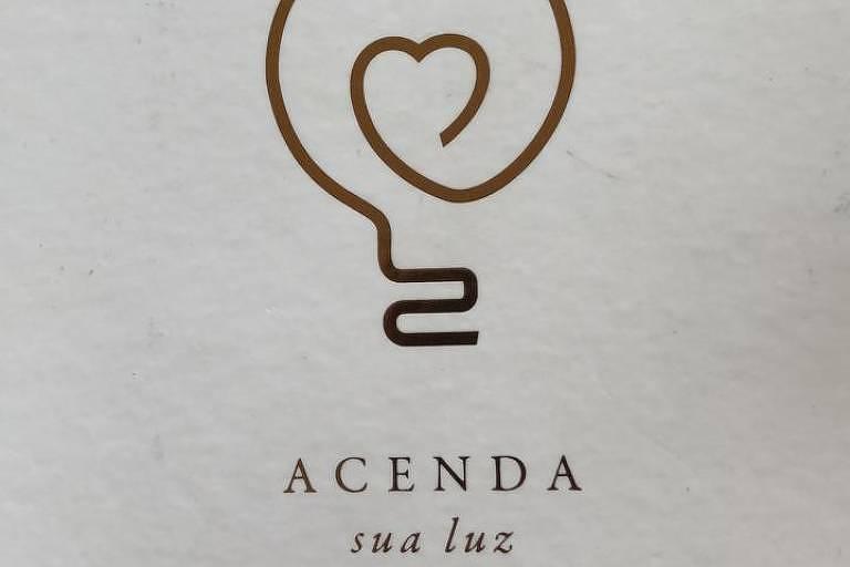 """Livro """"Acenda Sua Luz"""""""