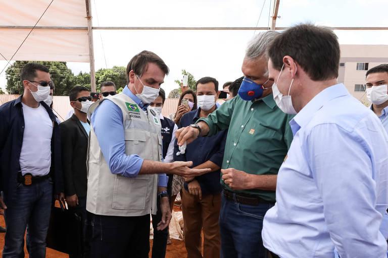 O presidente da República Jair Bolsonaro durante visita ao Hospital de Campanha de Águas Lindas de Goiás