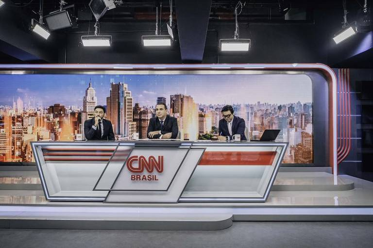Veja fotos de jornalistas da CNN Brasil