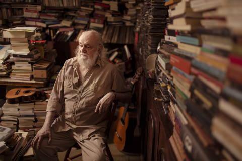 SC Rio de Janeiro (RJ) 25/08/2016 - O compositor e escritor Aldir Blanc completa 70 anos. Foto: Leo Martins / Agencia O Globo