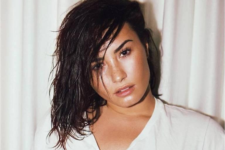 Demi Lovato diz que não é mais amiga de Selena Gomez, mas mantém contato com Miley Cyrus