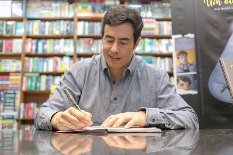 Felipe Folgosi no lançamento da sua nova HQ