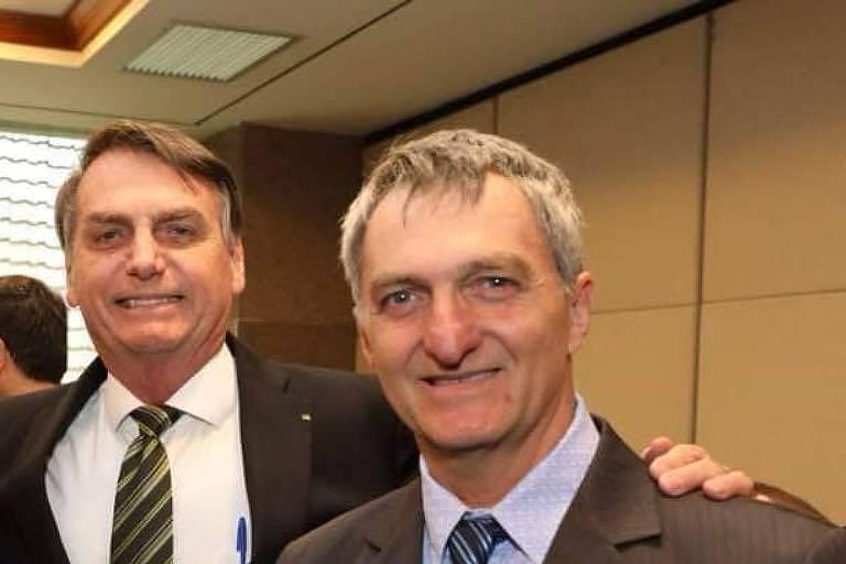 O presidente Jair Bolsonaro e seu irmão Renato Bolsonaro