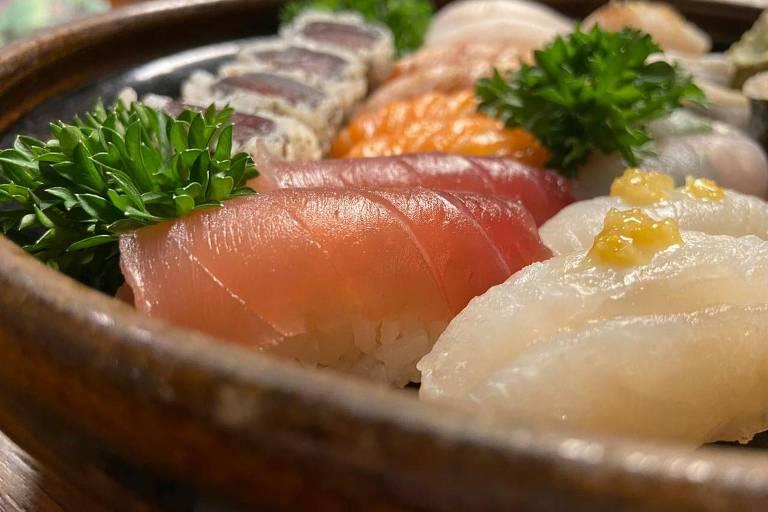 Combinado entregue pelo sushiman Jun Sakamoto, no delivery de sua casa, em Pinheiros