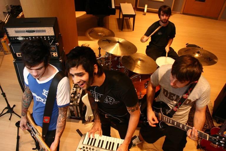 Integrantes da banda gaúcha Fresno em 2008