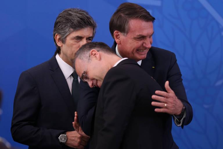 AGU nega ou ignora condutas de Bolsonaro ao defendê-lo na crise do coronavírus