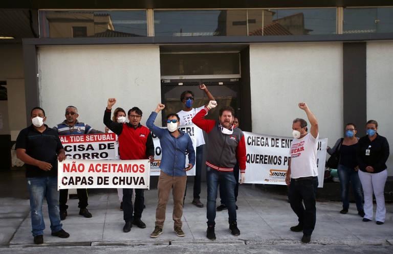 Funcionários do Hospital Tide Setubal protestam por falta de equipamentos