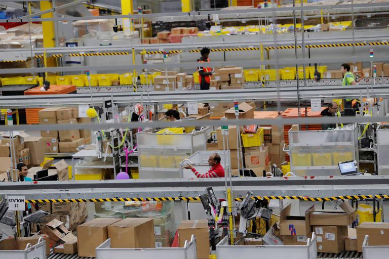 Centro de distribuição da Amazon nos EUA.