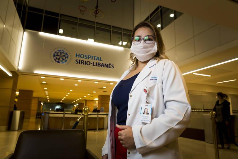 A enfermeira Rafaella Coutinho Grecco Aguiar passou a morar em um hotel próximo ao hospital onde trabalha na Bela Vista (centro) e fica confinada no quarto quando não está em atendimento