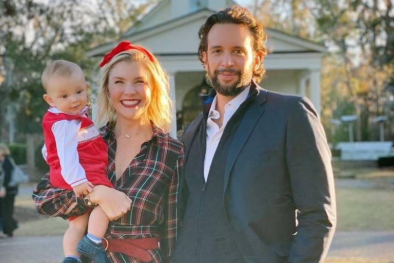 Nick Cordero com a mulher Amanda Kloots e o filho do casal, Elvis