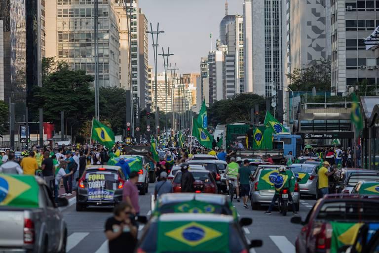 Carreata em São Paulo pede fim do isolamento social