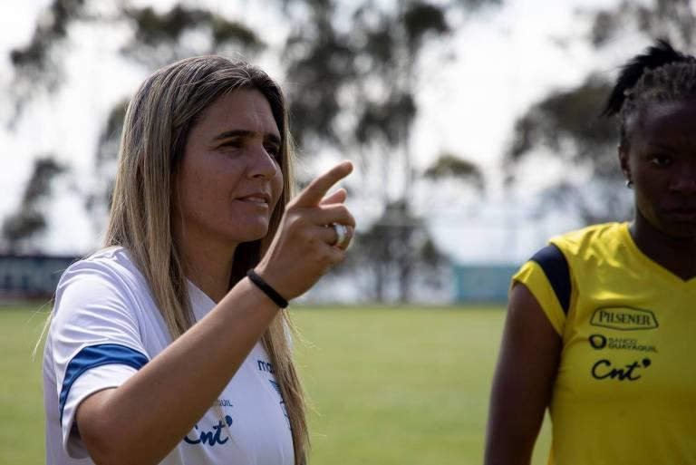 Emily assumiu a seleção feminina do Equador no fim de 2019