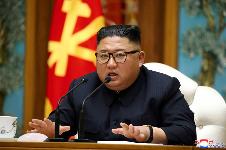 O ditador norte-coreano, Kim Jong-un, durante reunião com o Partido dos Trabalhadores da Coreia do Norte