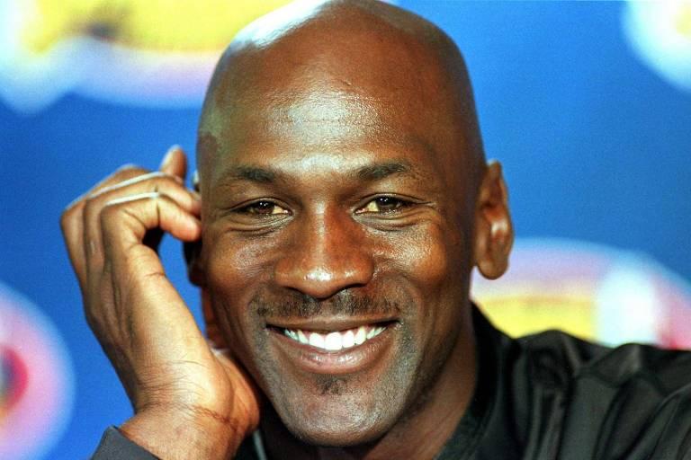 Jordan em entrevista coletiva durante as finais da NBA em 1998