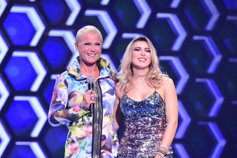 Xuxa chama ao palco candidatos do 'The Four'