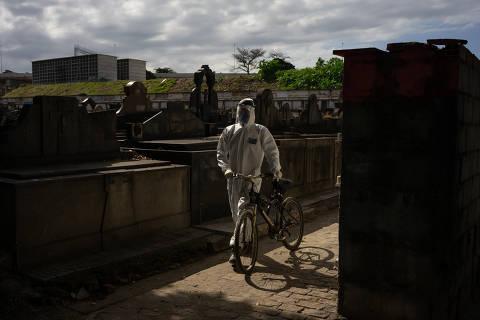 Brasil tem 1.086 novas mortes por coronavírus e total de óbitos passa de 25 mil