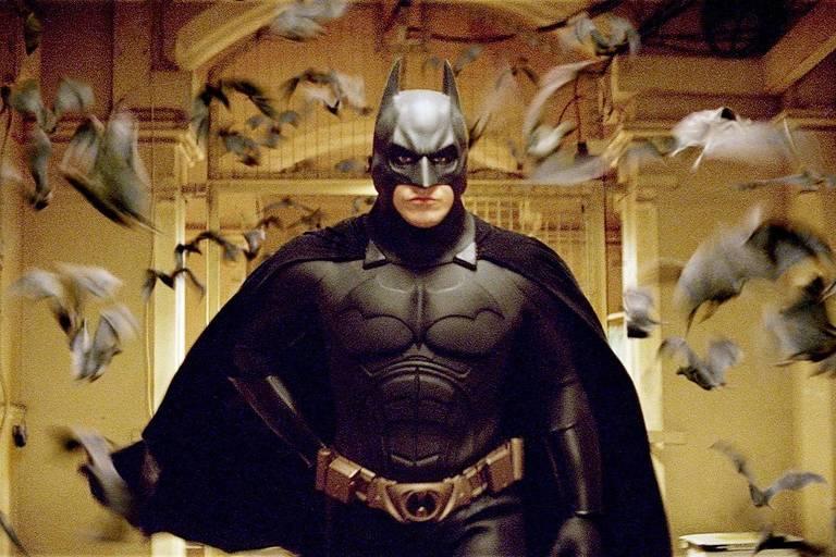 """O ator Christian Bale em cena do filme """"Batman Begins"""" (2005)"""