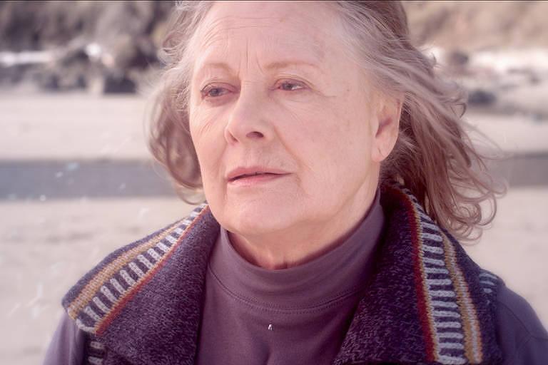 """Shirley Knight no filme """"Redwood Highway"""", lançado em 2013"""