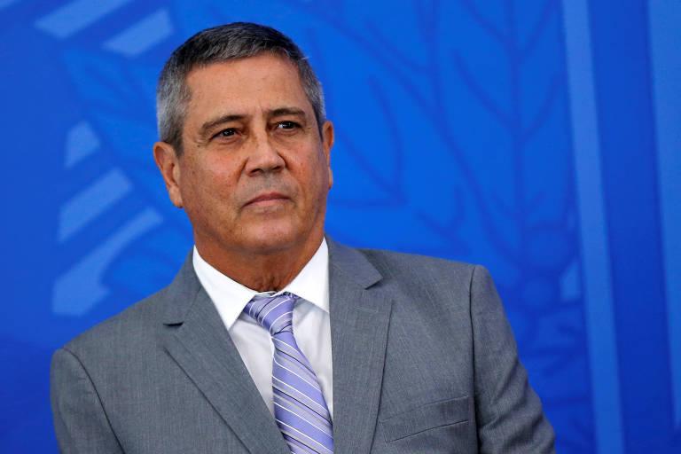 Chefe da Casa Civil, general Walter Souza Braga Netto em cerimônia para falar sobre medidas contra o coronavírus