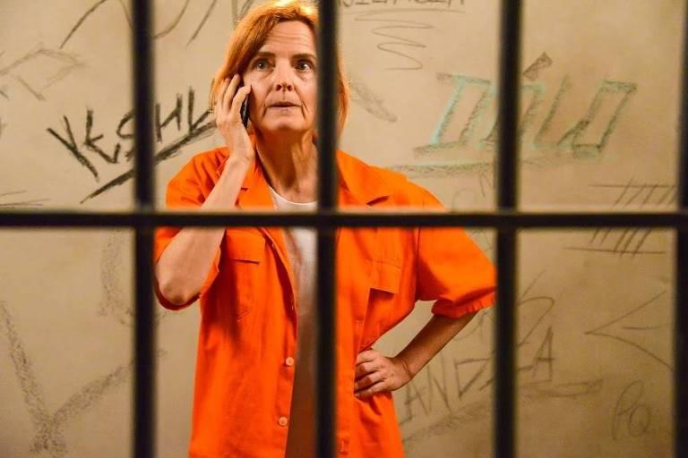 Waldisneia pede que o filho a ajude a fugir da cadeia em 'Poliana'