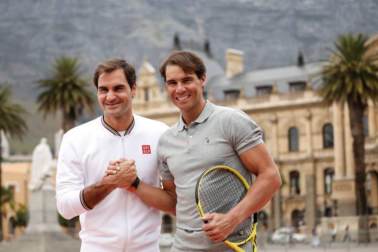 Roger Federer e Rafael Nadal antes de jogo de exibição na África do Sul